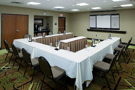 Allen's Hampton Inn has 572 square feet of meeting space and 103 guest rooms