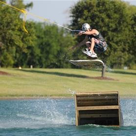With three pully systems, Hydrous is a great place for both begginers and seasoned wakeboarders to g