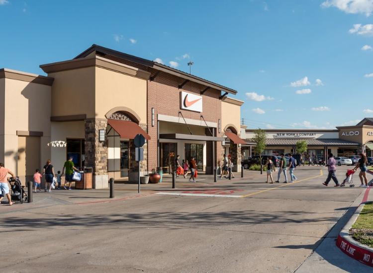 Allen Premium Outlets Allen, TX
