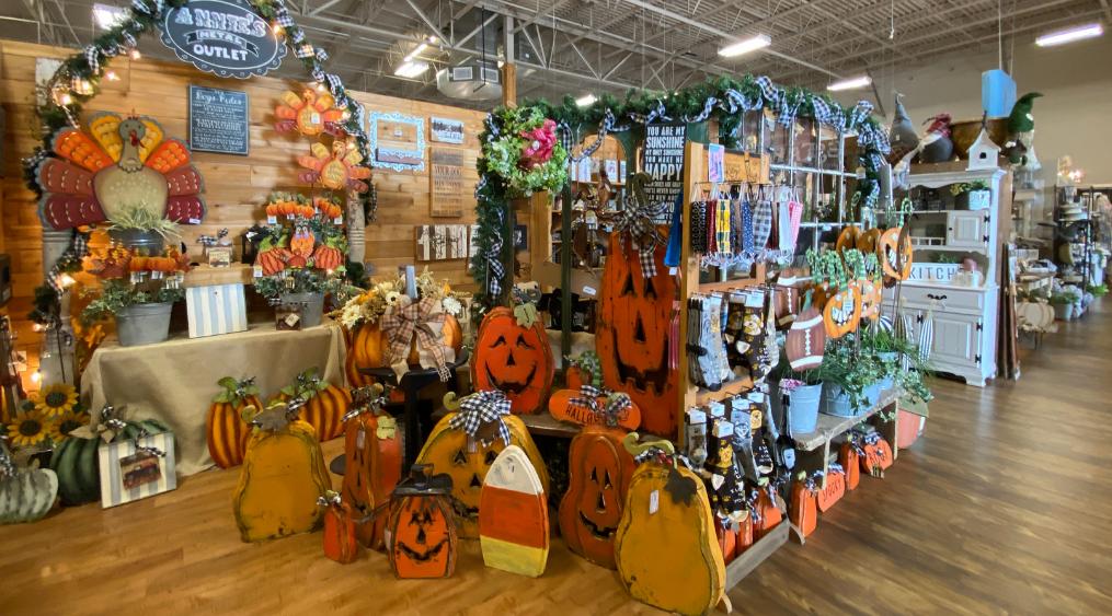 Lone Star Mercantile Fall Holiday Decor - Visit Allen Texas